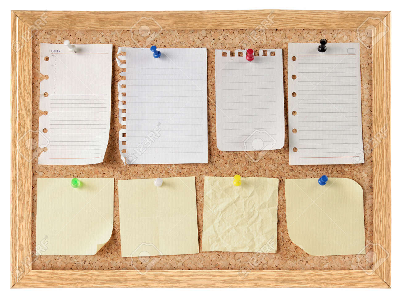 collection of various note papers on cork board Standard-Bild - 9607751
