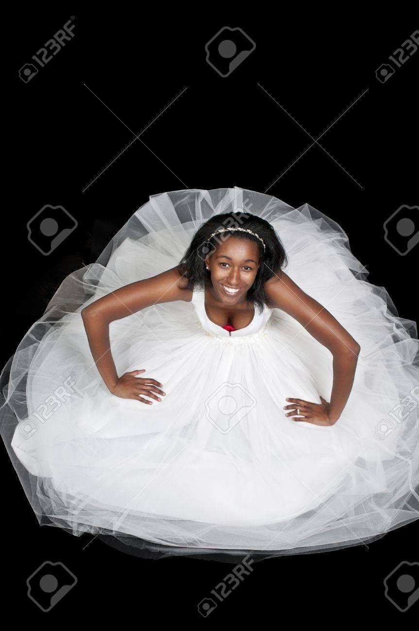 Noir Bride Femme Africaine Americal Dans Une Robe De Mariee