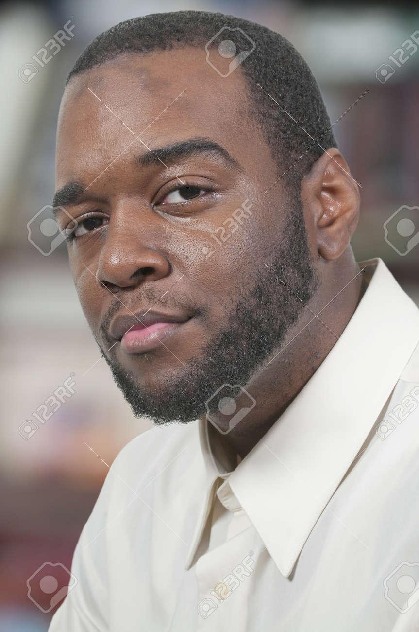 Relativ Une Belle Belle Africaine Homme Noir Américain Banque D'Images Et  DA71