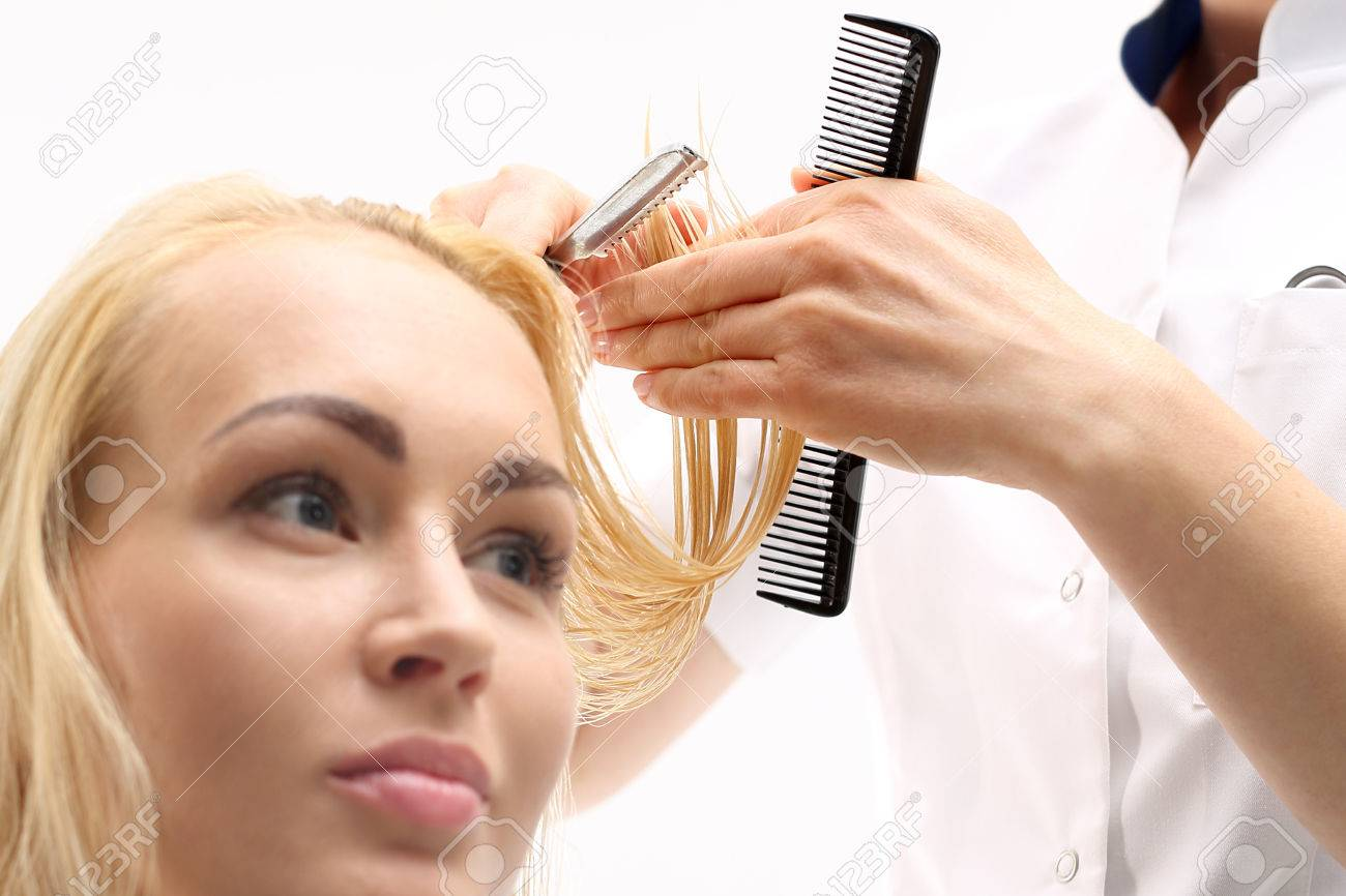 Haircut Chinese Knife Barber Haircut Woman With A Knife In A