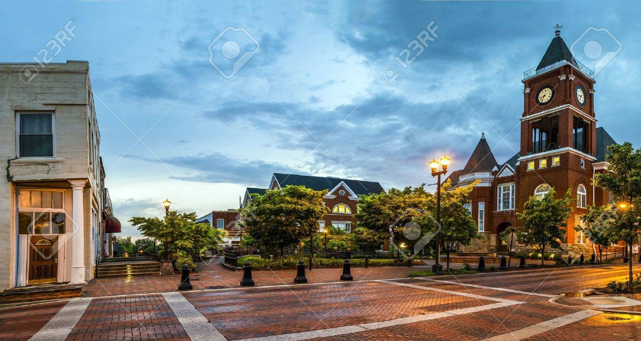 Panoramic View Of Town Square In Dallas, Georgia, After Sunset Stock ...