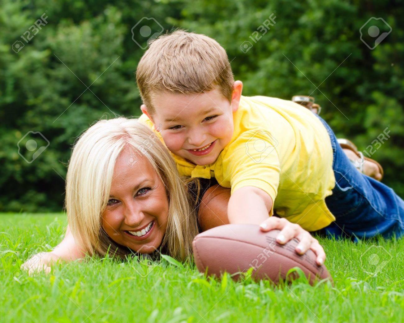 Мамочка и футболист