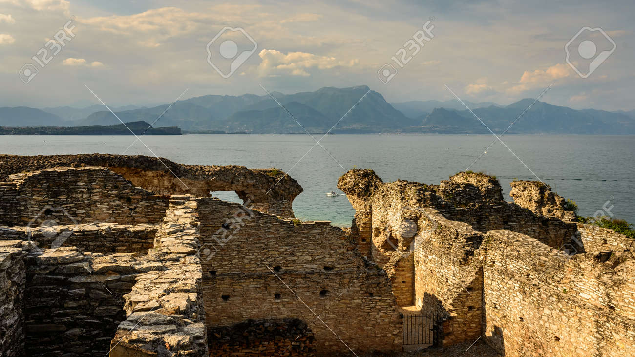 紀元前 1 世紀のヴィラ Catullia...