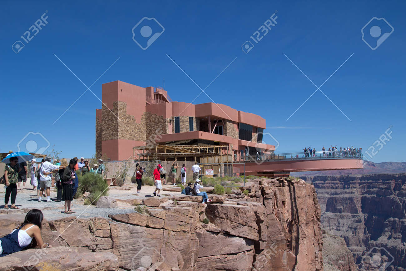 GRAND CANYON WEST, AZ- AUG 16: Tourist visit The Skywalk at the West Rim of the Grand Canyon on August 16, 2011.  The Skywalk is suspended four thousand feet above the Colorado River. Stock Photo - 10650996
