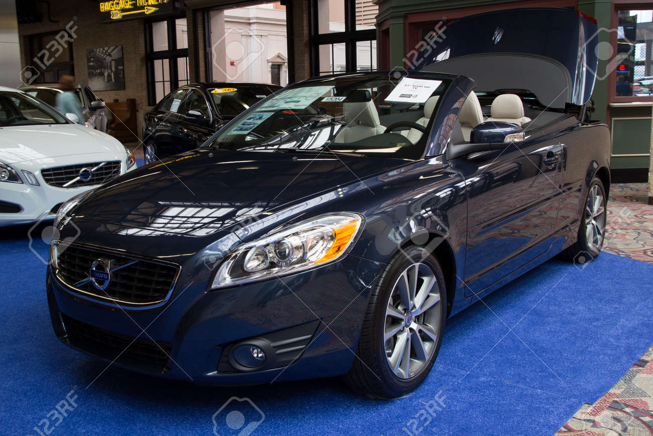 JACKSONVILLE, FLORIDA-FEBRUARY 18: A 2012 Volvo C70 T5 At The ...