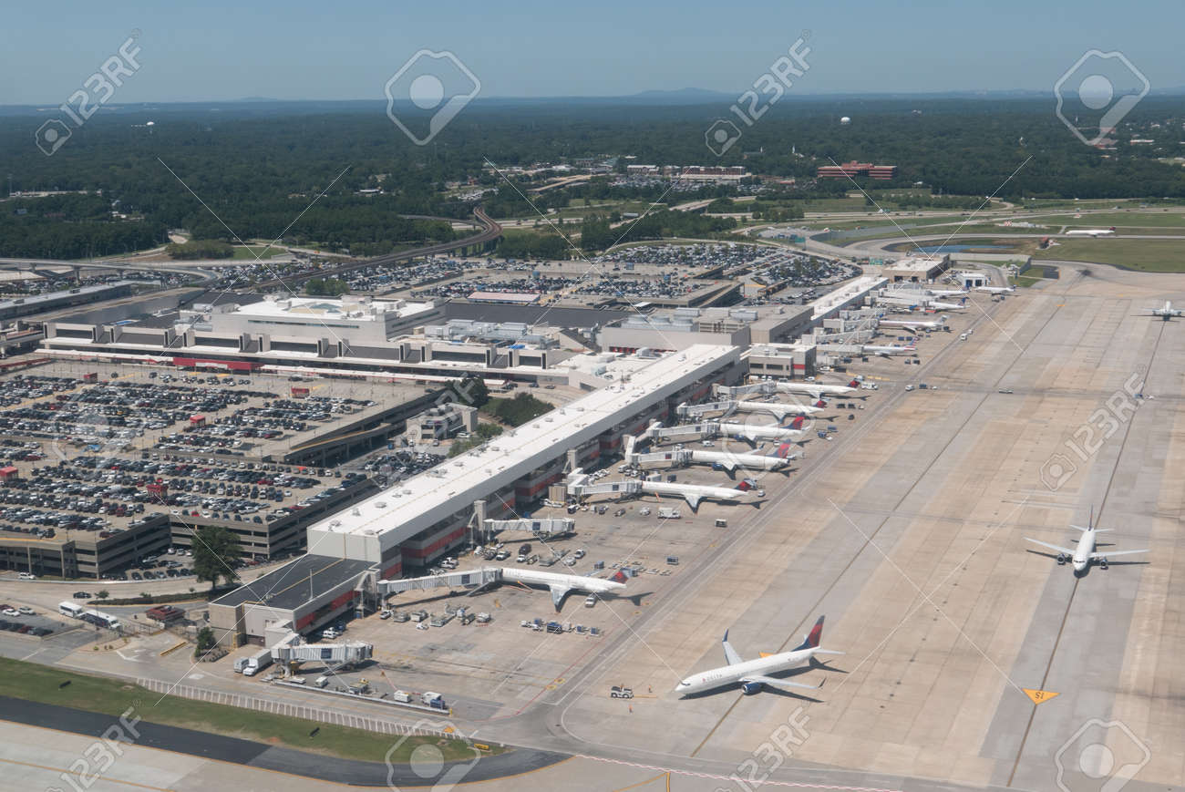 Extremamente AtLANTA, GEORGIA-AUGUST 25, 2015: Aerial View Of Hartsfield  OR25