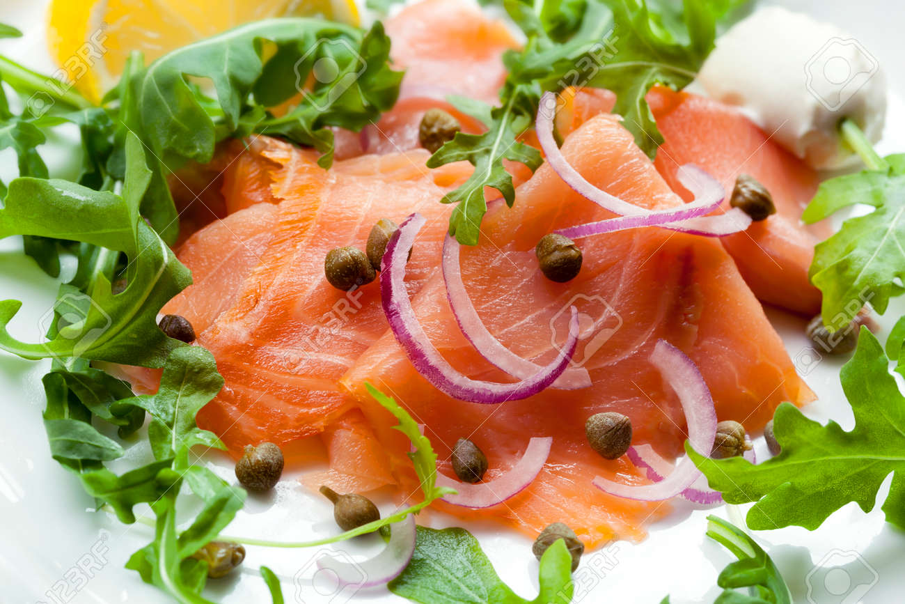 smoked salmon salad with capers