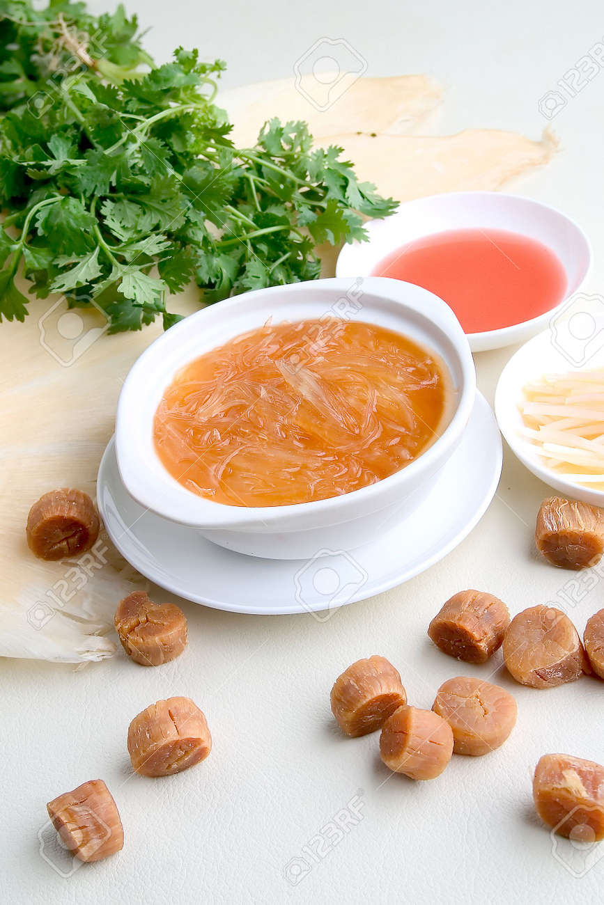 Shark fin and  vegetable in a restaurant Stock Photo - 3705087