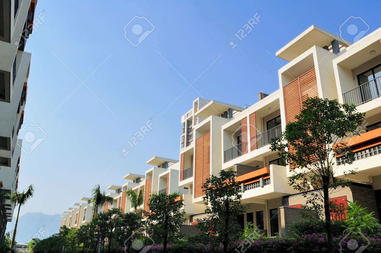 Un Sendero Y Dos Hileras De Casas De Nueva Terraza Junto A él En El Sureste De China Estas Casas Están Destinadas A La Normal Comprador En China