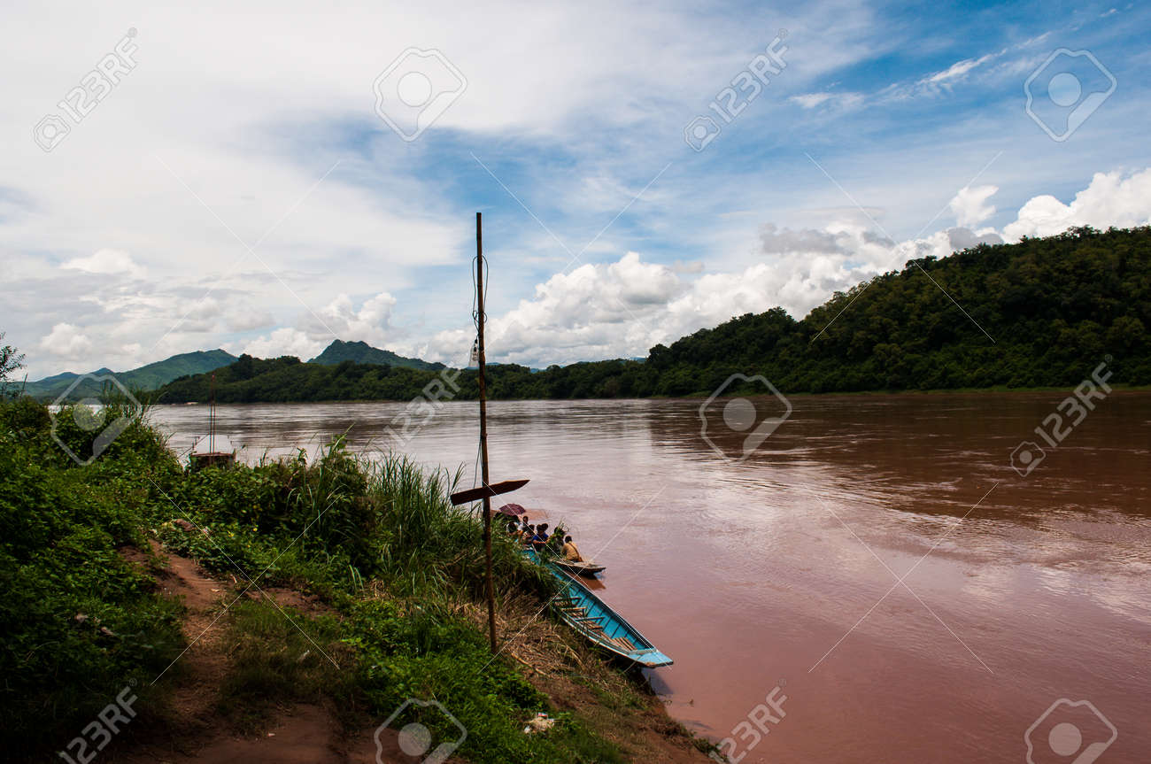 Mekong River Luang Prabang Laos - 40909003