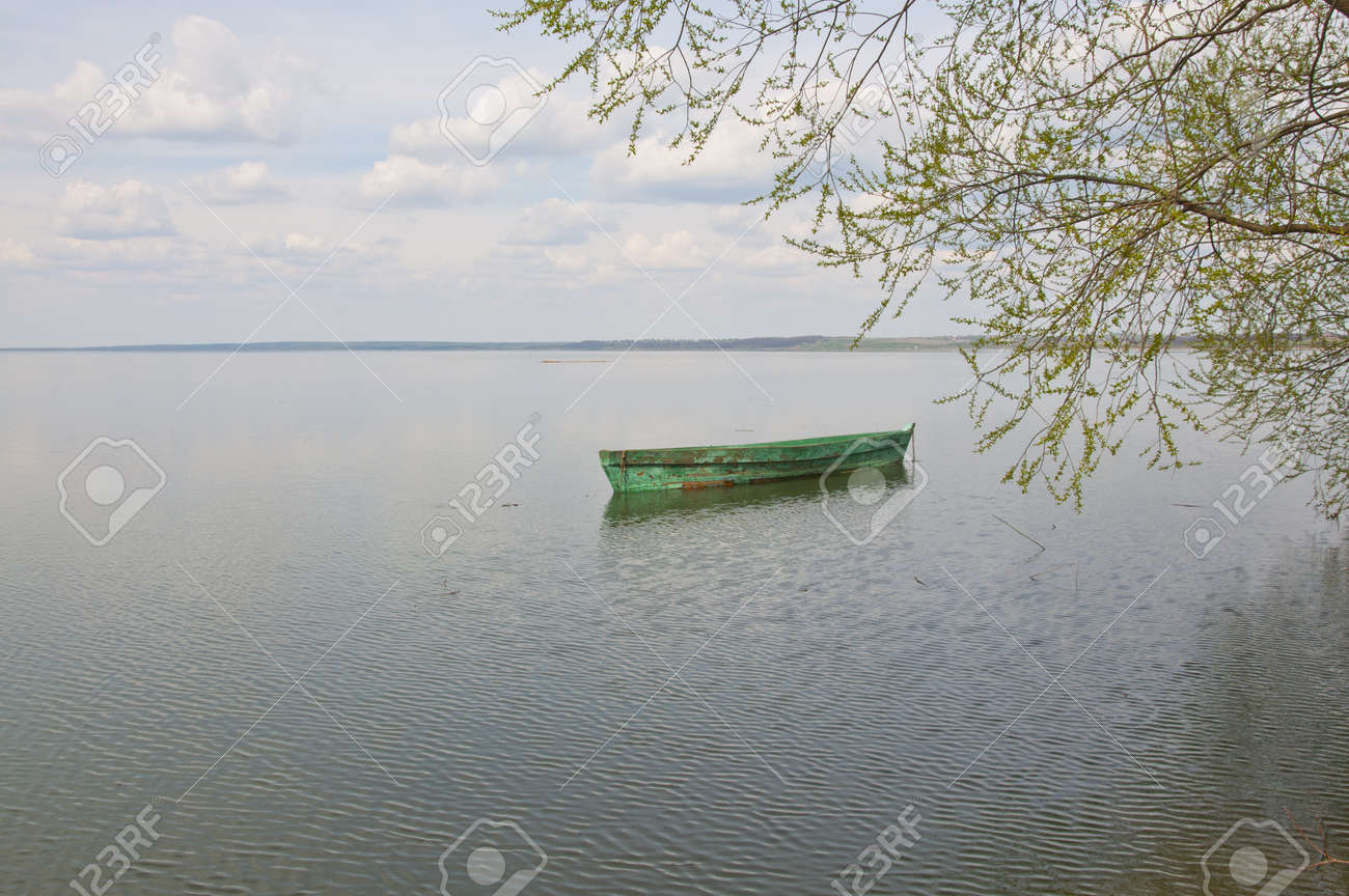 Boats on the lake Stock Photo - 17039719