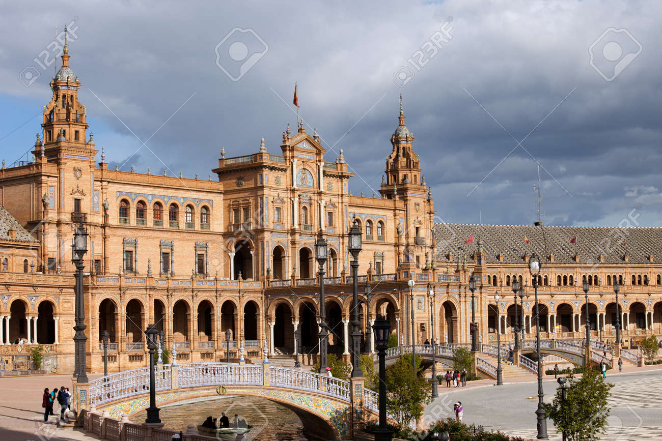 bridges over canal and renaissance and neo moorish architecture