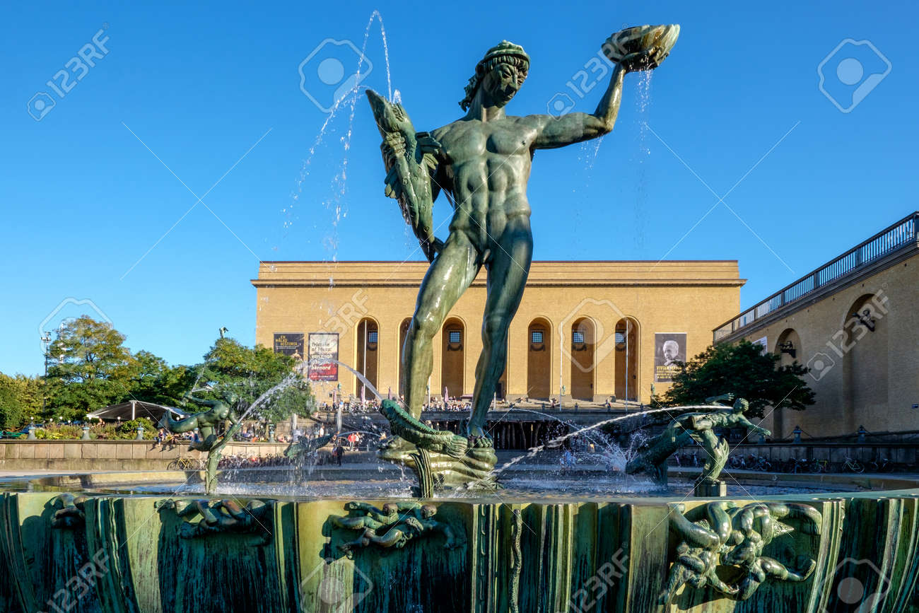 Gothenburg Sweden September 4 2014 The Iconic Statue Of