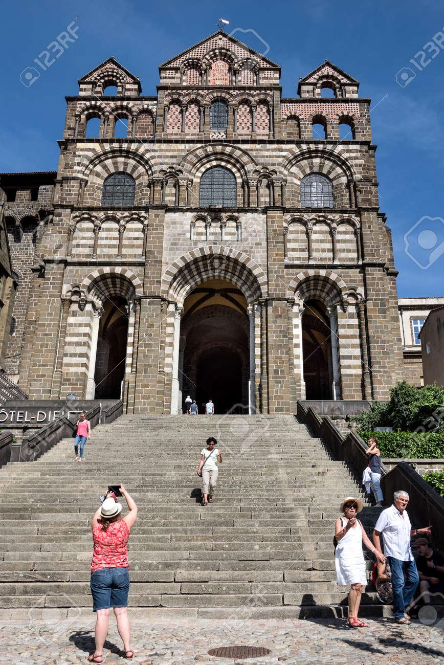 Architecte Le Puy En Velay france, auvergne rhone alpes, haute loire, le puy-en-velay: people..