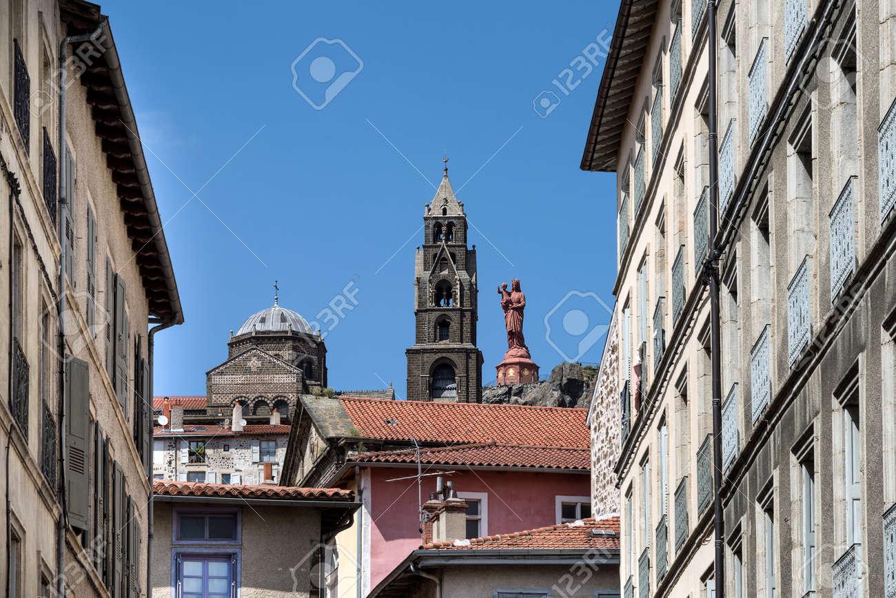 Architecte Le Puy En Velay france, auvergne rhone alpes, haute loire, le puy-en-velay: statue..