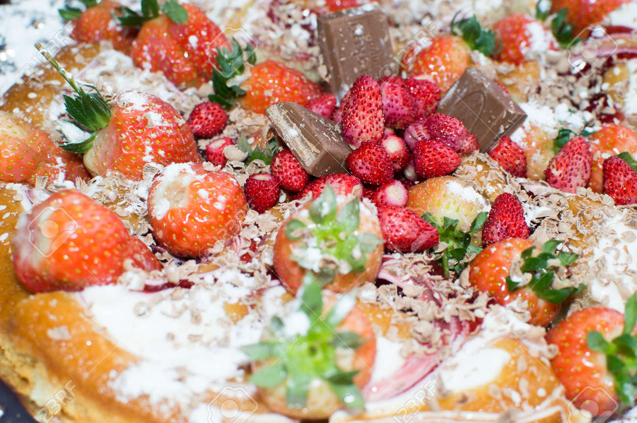 Pie with chocolate and fruit-raspberries andsweet strawberries - 57128177