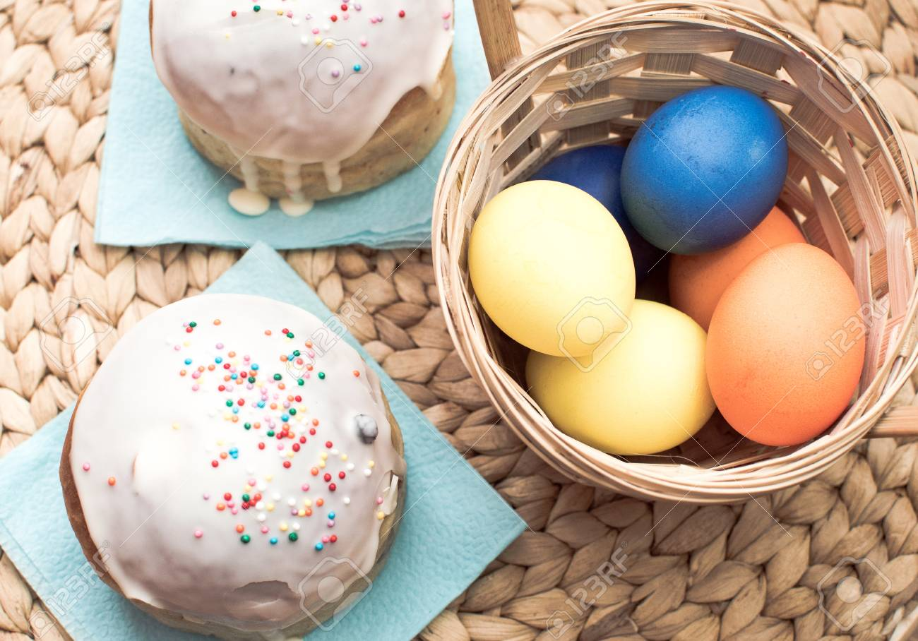 Easter cakes and eggs for holiady - 57128186