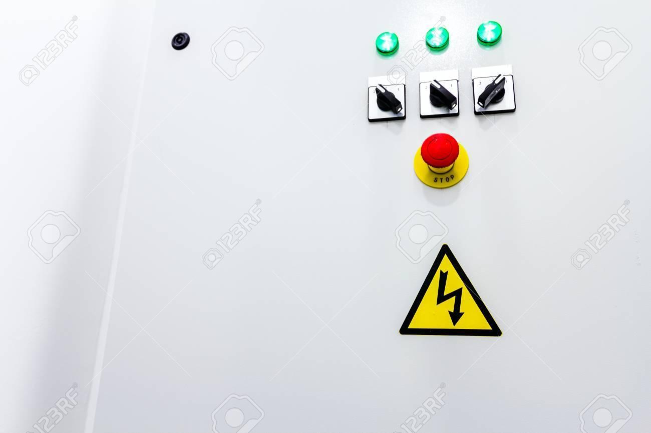 Armoire Electrique Avec Connecteurs Fournit De L Energie