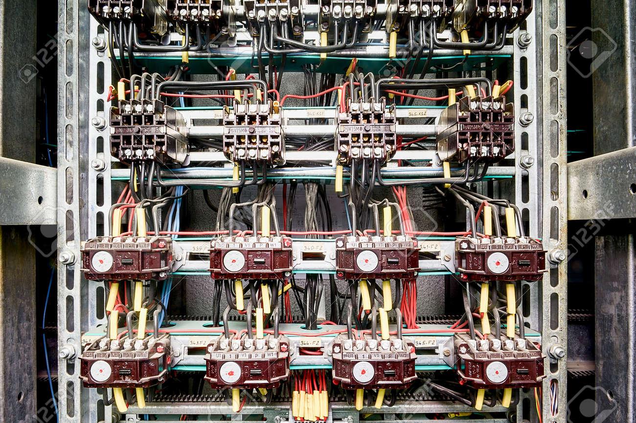 Wunderbar Elektrisches Panel Bilder - Elektrische Schaltplan-Ideen ...