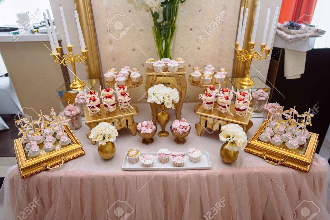 Remarkable Candy Bar Table With Sweets Buffet With Cupcakes Candies Download Free Architecture Designs Osuribritishbridgeorg