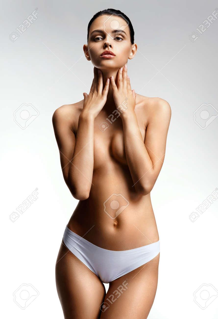 Brüste nackt junge Beste Kleine