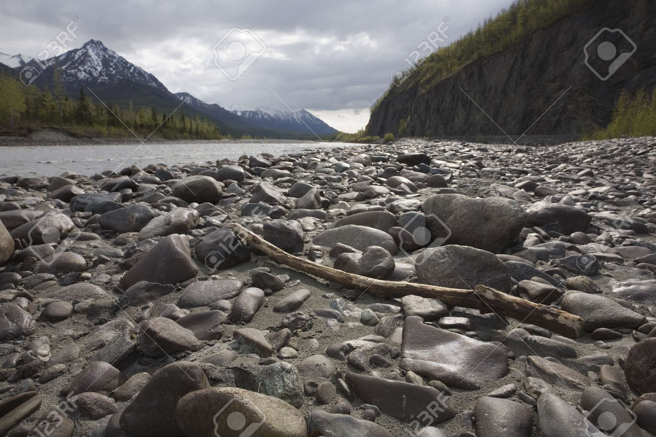 Wide-angle landscape shot of the gravel bar next to river in Alaska Stock Photo - 3206521