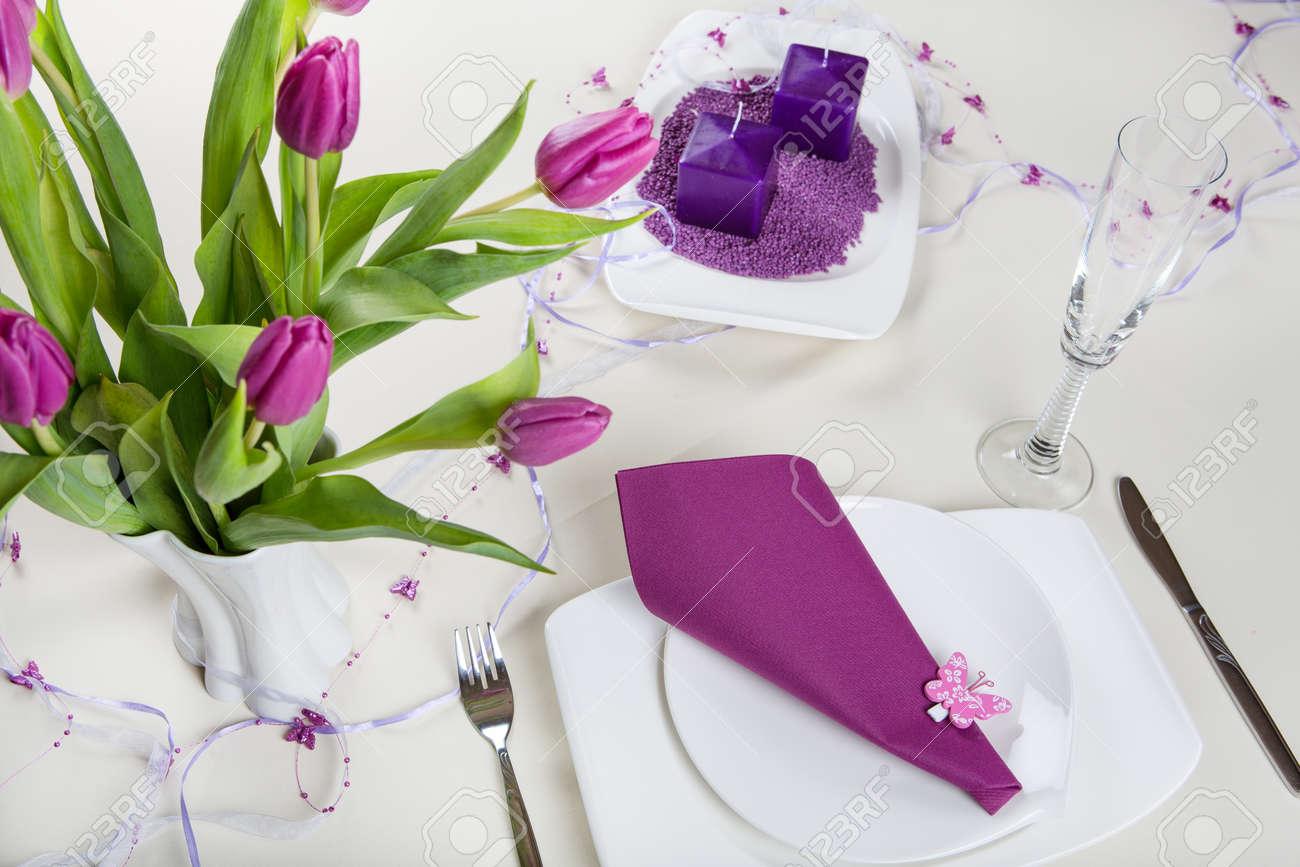 Table Set Dekoration In Lila Fur Hochzeit Geburtstag Oder Muttertag