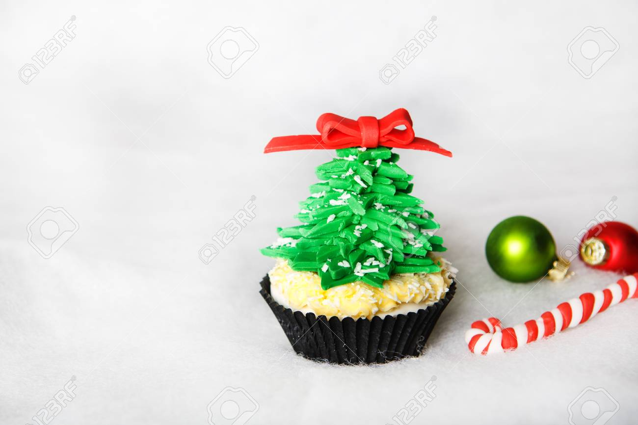 Christmas tree cupcake with white fondant Stock Photo - 24174814