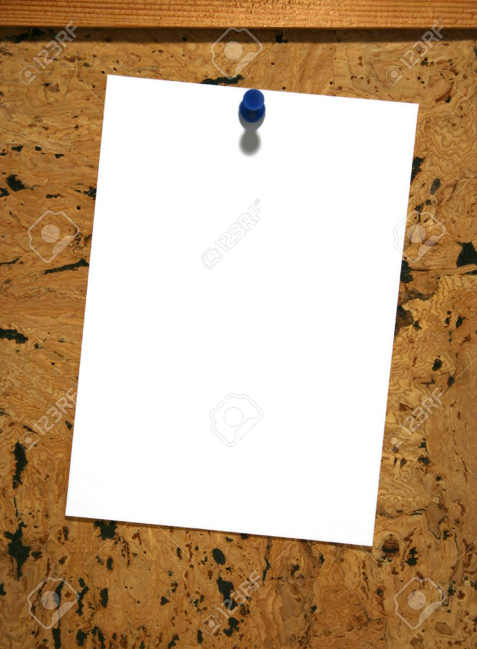Blank sheet of paper on pin board Stock Photo - 1367090