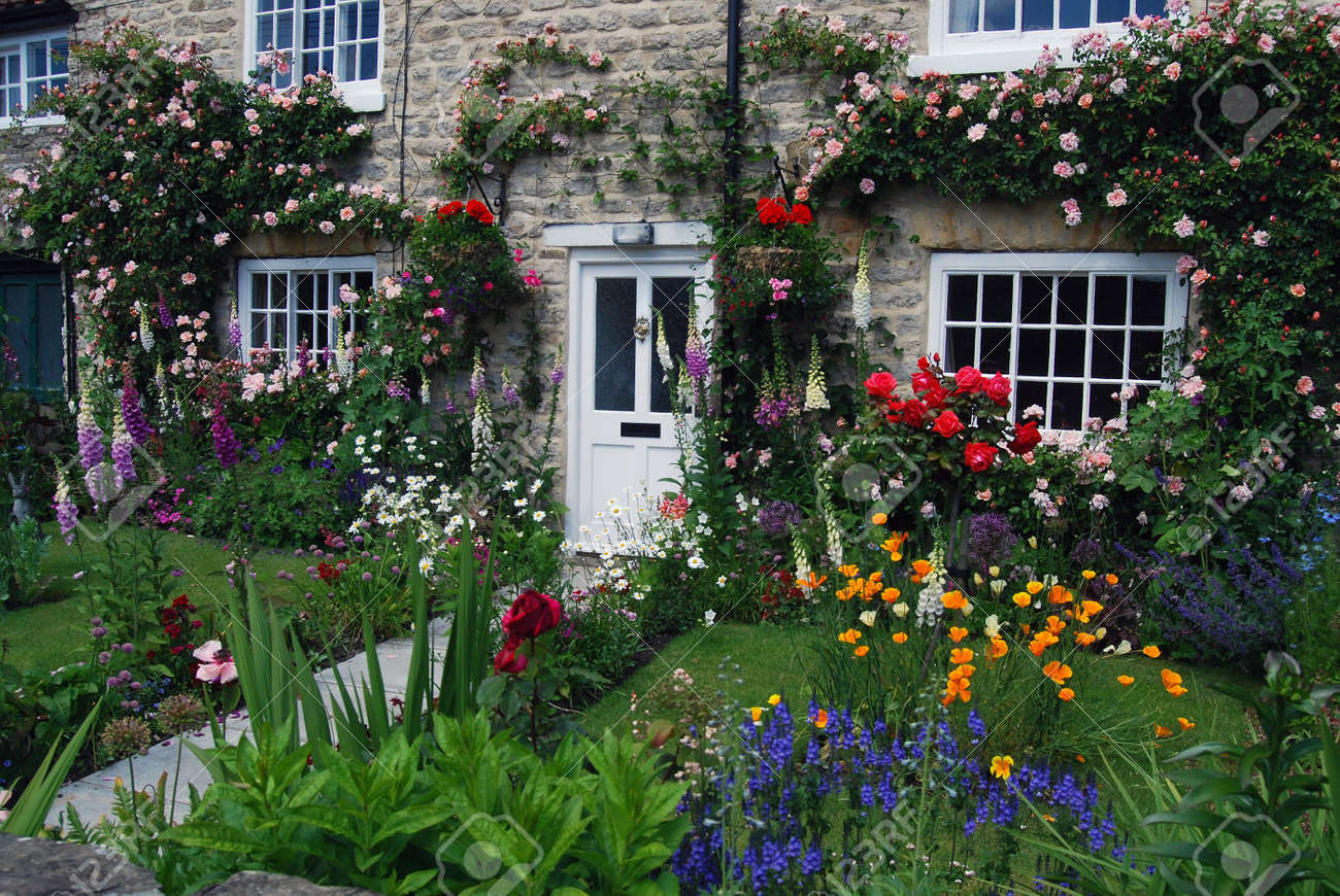 A Postcard View Of English Cottage Garden Stock Photo Picture And