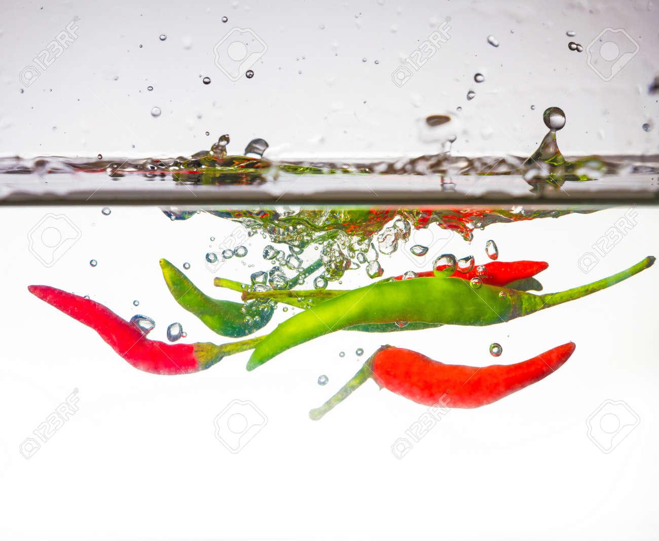 Chili Bilder chili bilder orange habanero pepper isolated white background