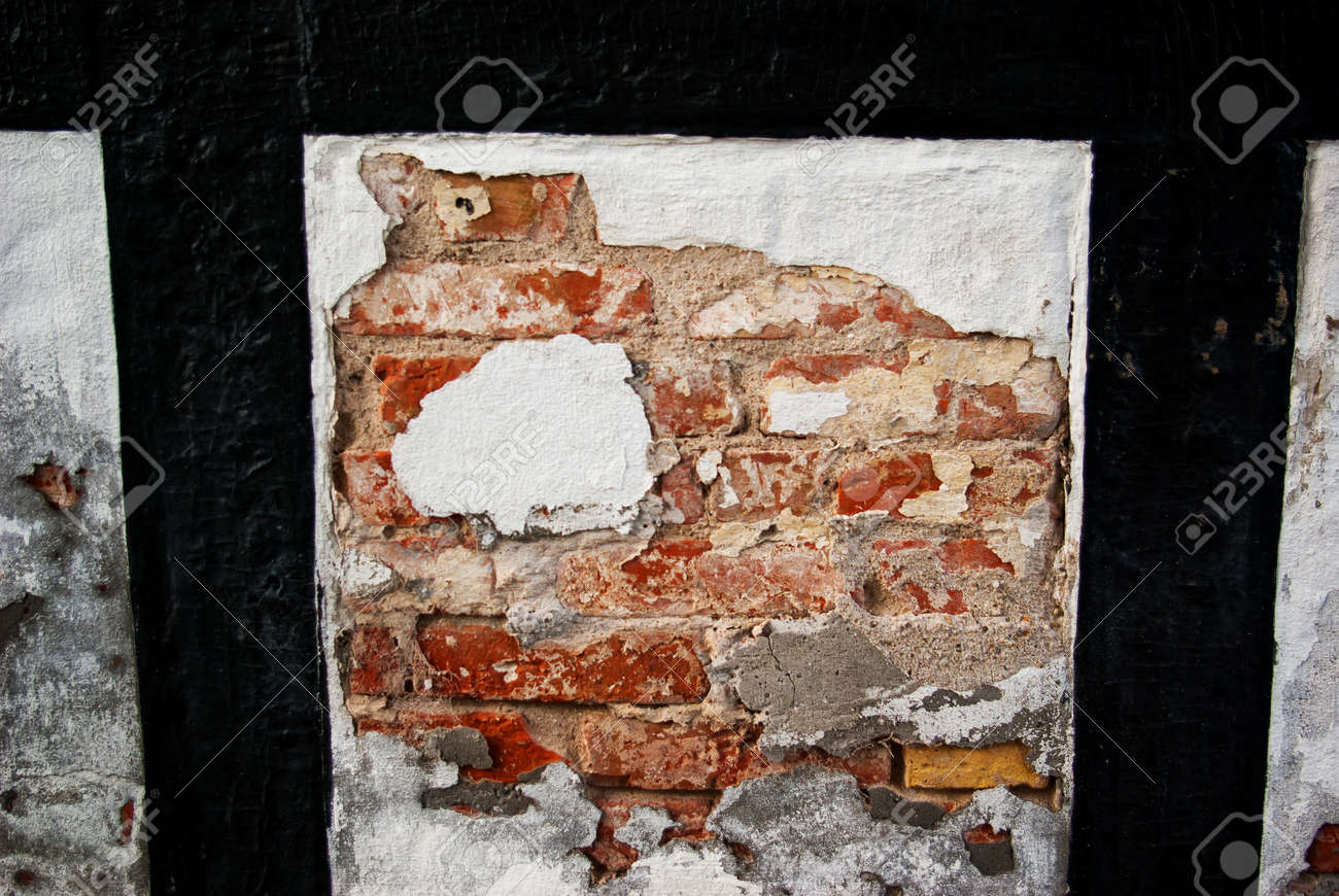 Grunge wall of an old house - Textured background Stock Photo - 17006251