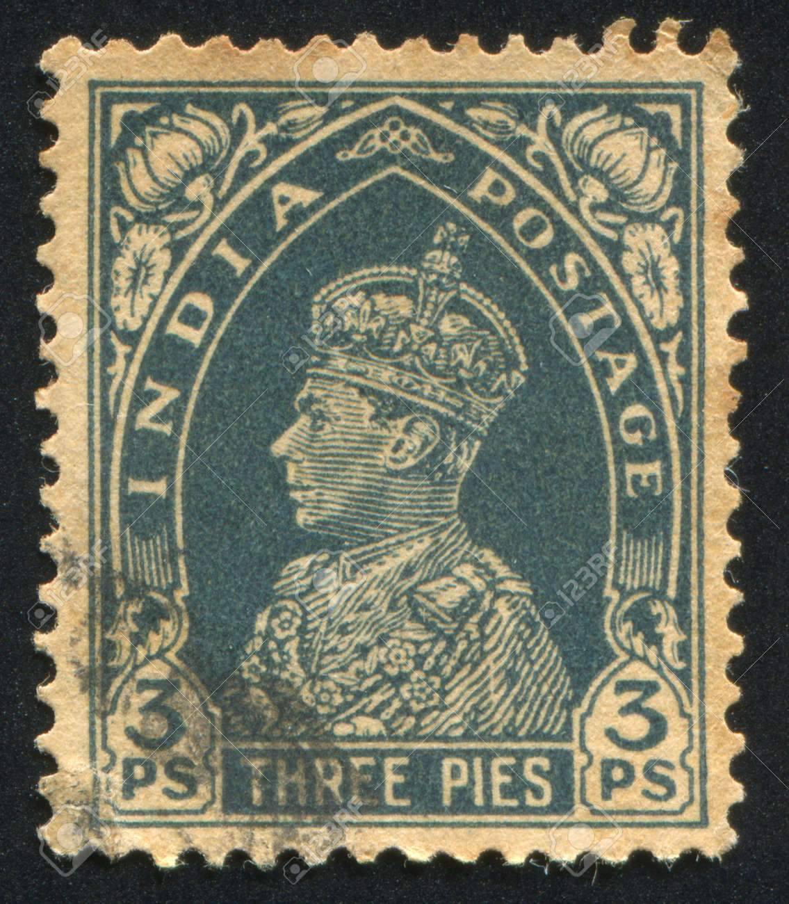 INDIA - CIRCA 1941: stamp printed by India, shows King George VI, circa 1941 Stock Photo - 14564951