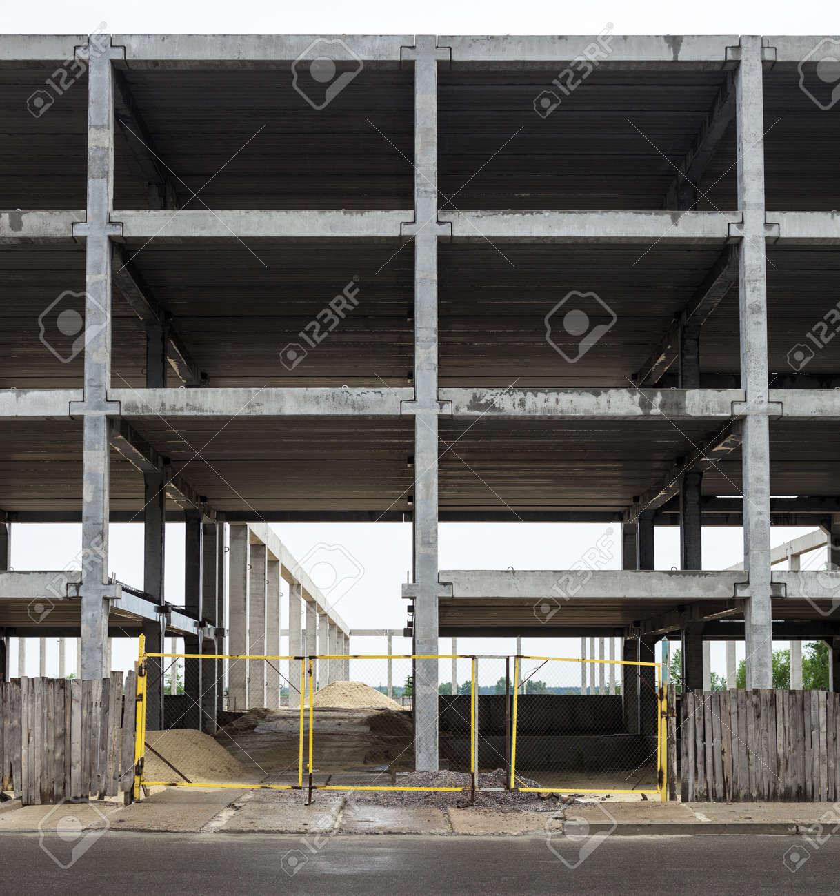 Unfinished Grauen Beton Rahmen Der Künftigen Gebäude In Der ...