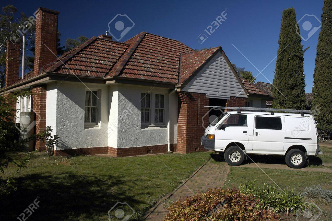 small australian typical house, white van in front of it Stock Photo - 2486541