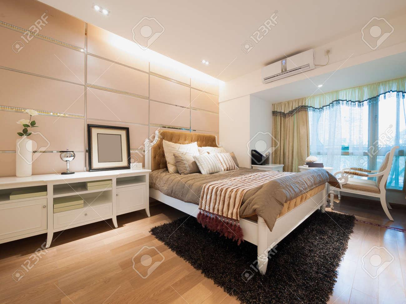 modern bedroom Stock Photo - 20020399