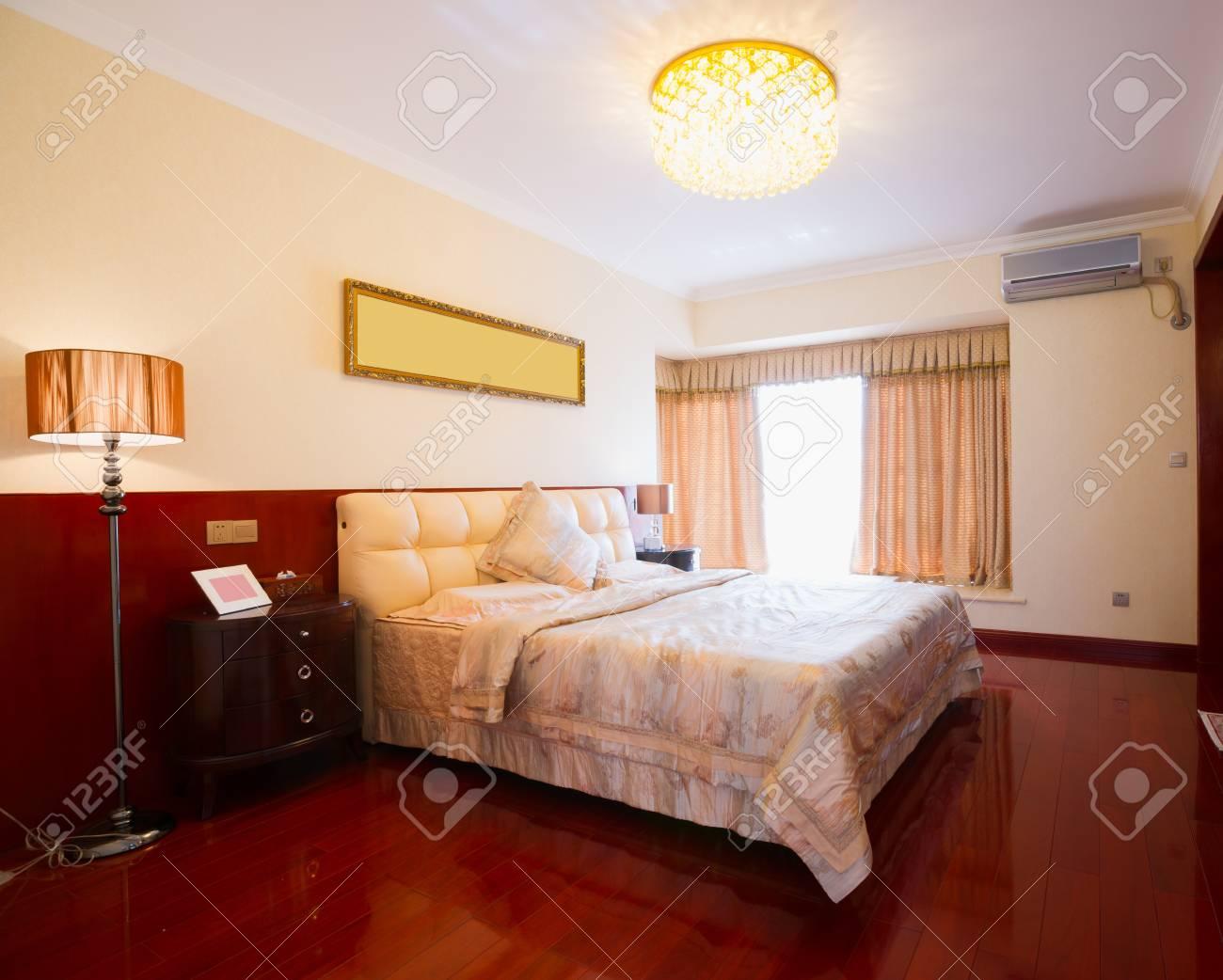 luxury bedroom Stock Photo - 20023852