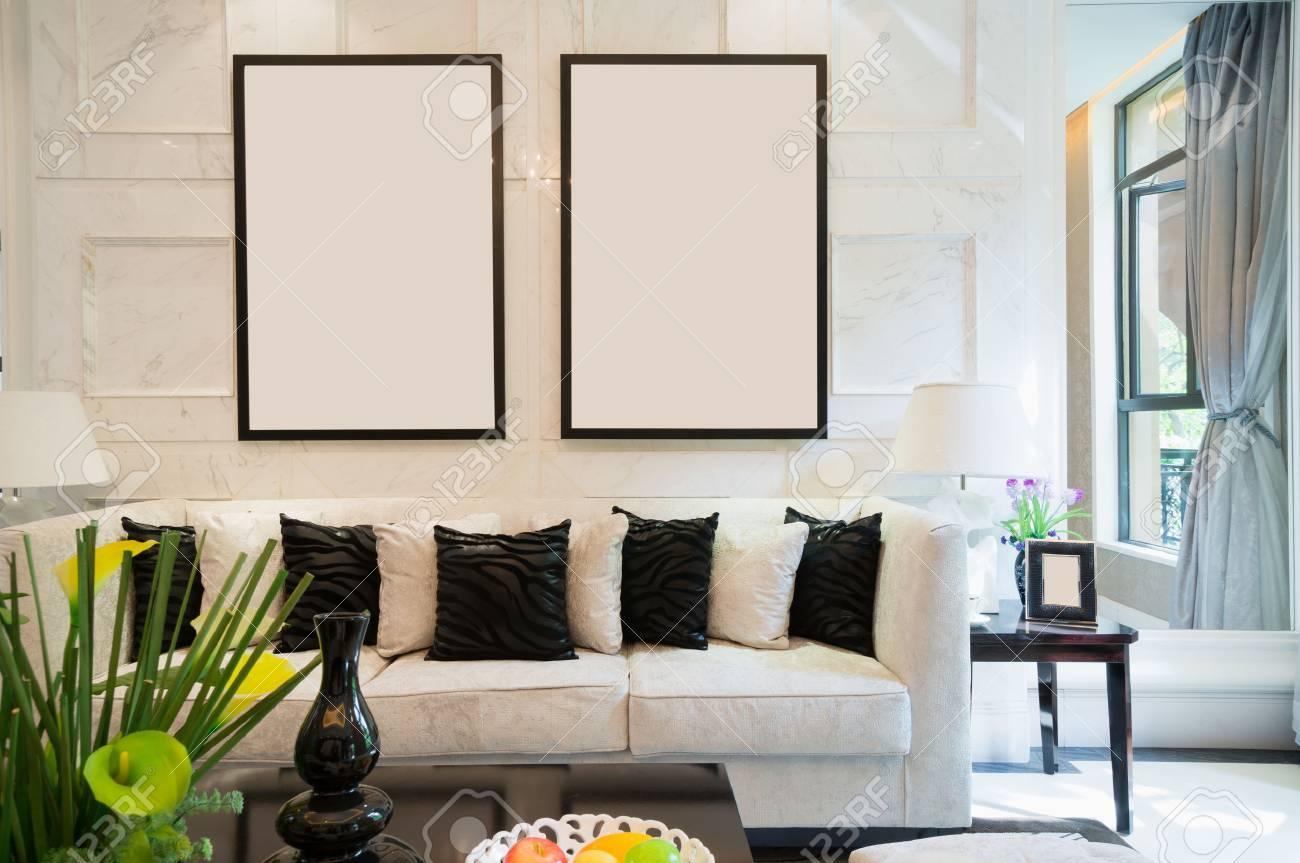Luxus Wohnzimmer Mit Schönen Dekoration Standard Bild   24283052