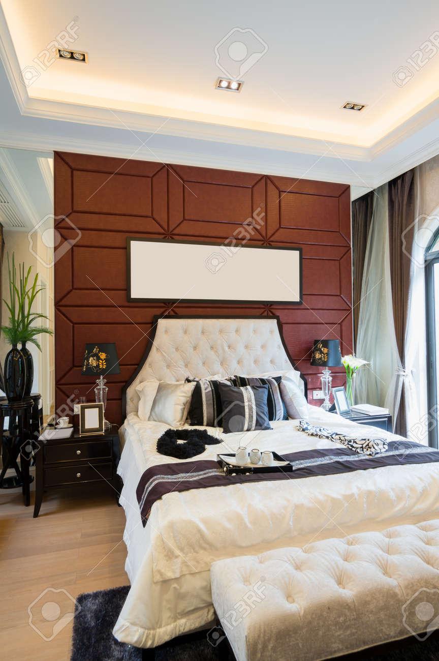 luxury comfortable bedroom with nice decoration Stock Photo - 24283094