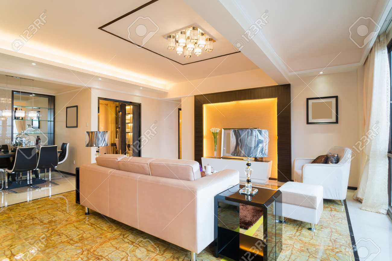 modern living room with nice decoration Standard-Bild - 25285338
