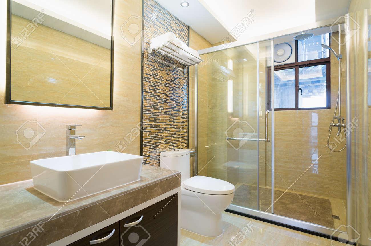 archivio fotografico bagno moderno con bella decorazione