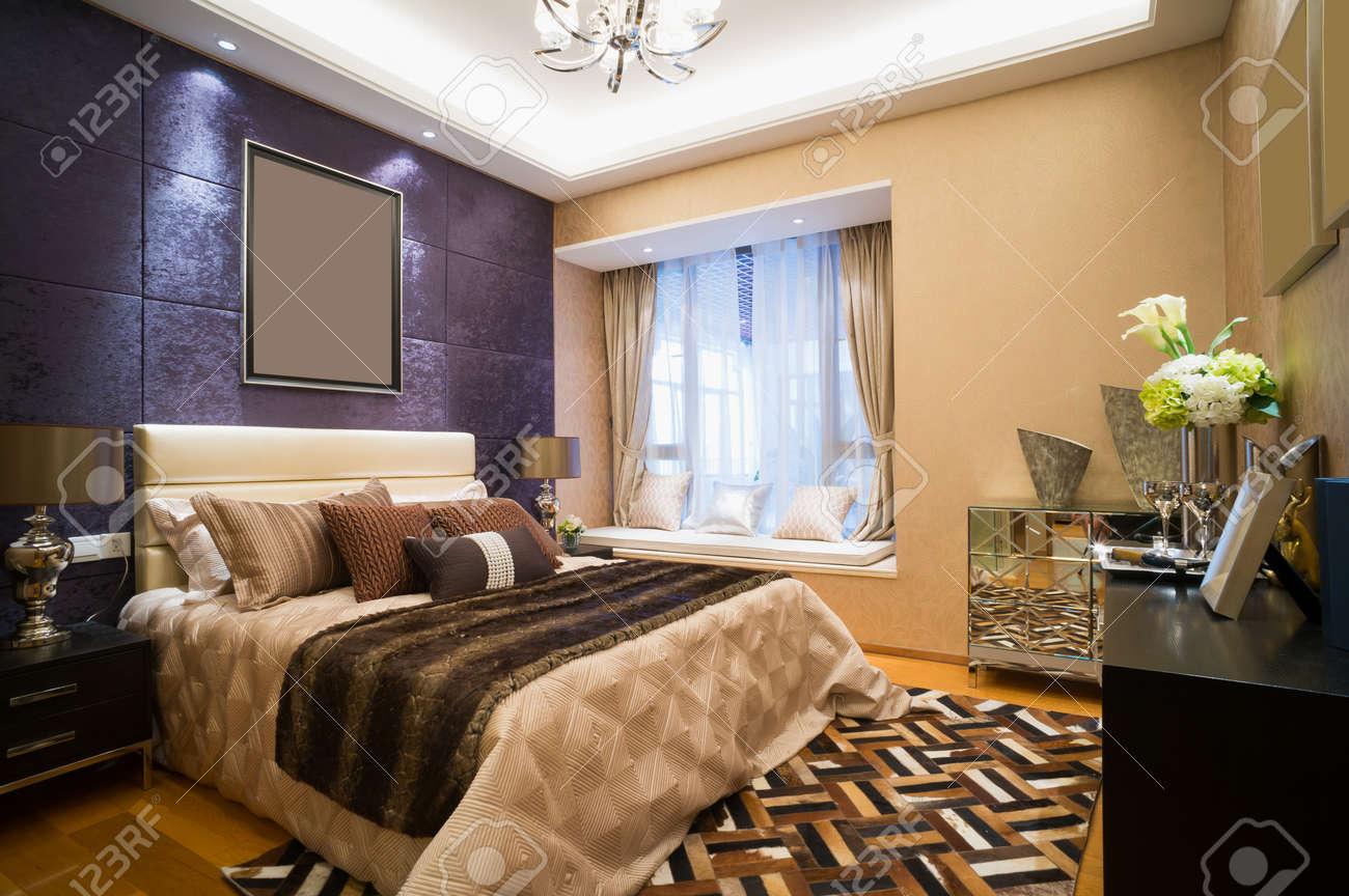 Luxus Schlafzimmer Mit Schönen Dekoration Standard Bild   30842667