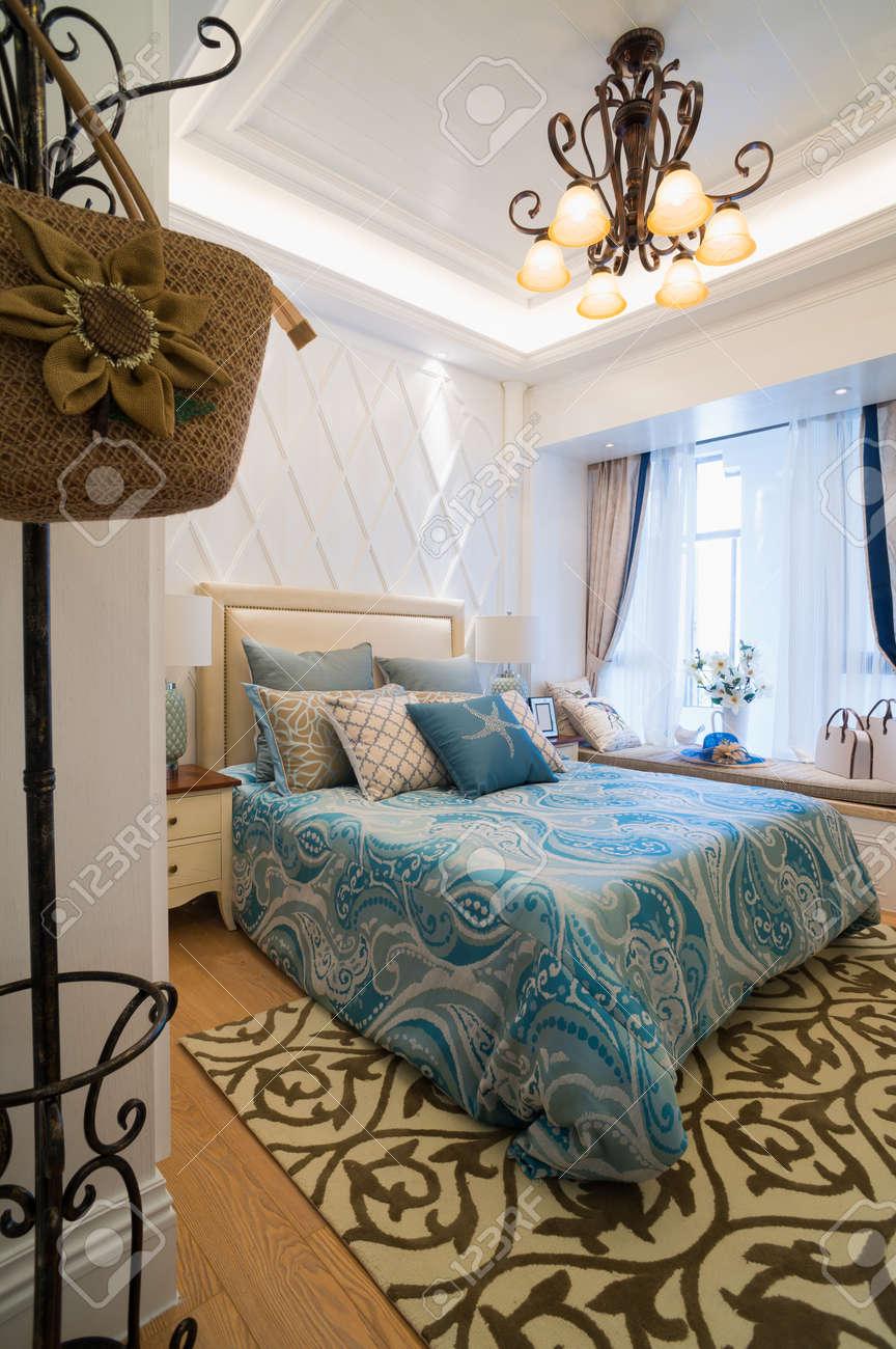 Luxus Schlafzimmer Mit Schönen Dekoration Standard Bild   30842680
