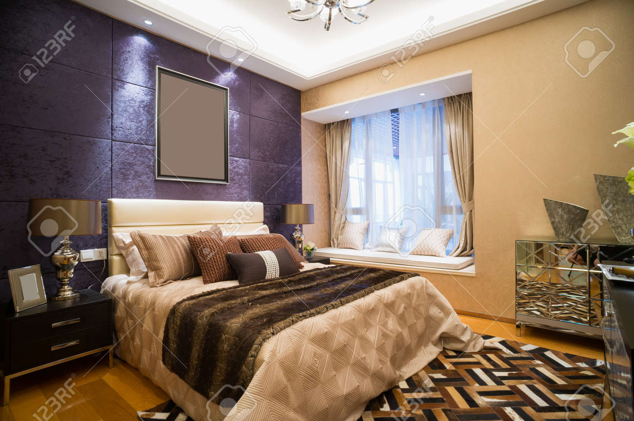 Luxus Schlafzimmer Mit Schönen Dekoration Standard Bild   30902397