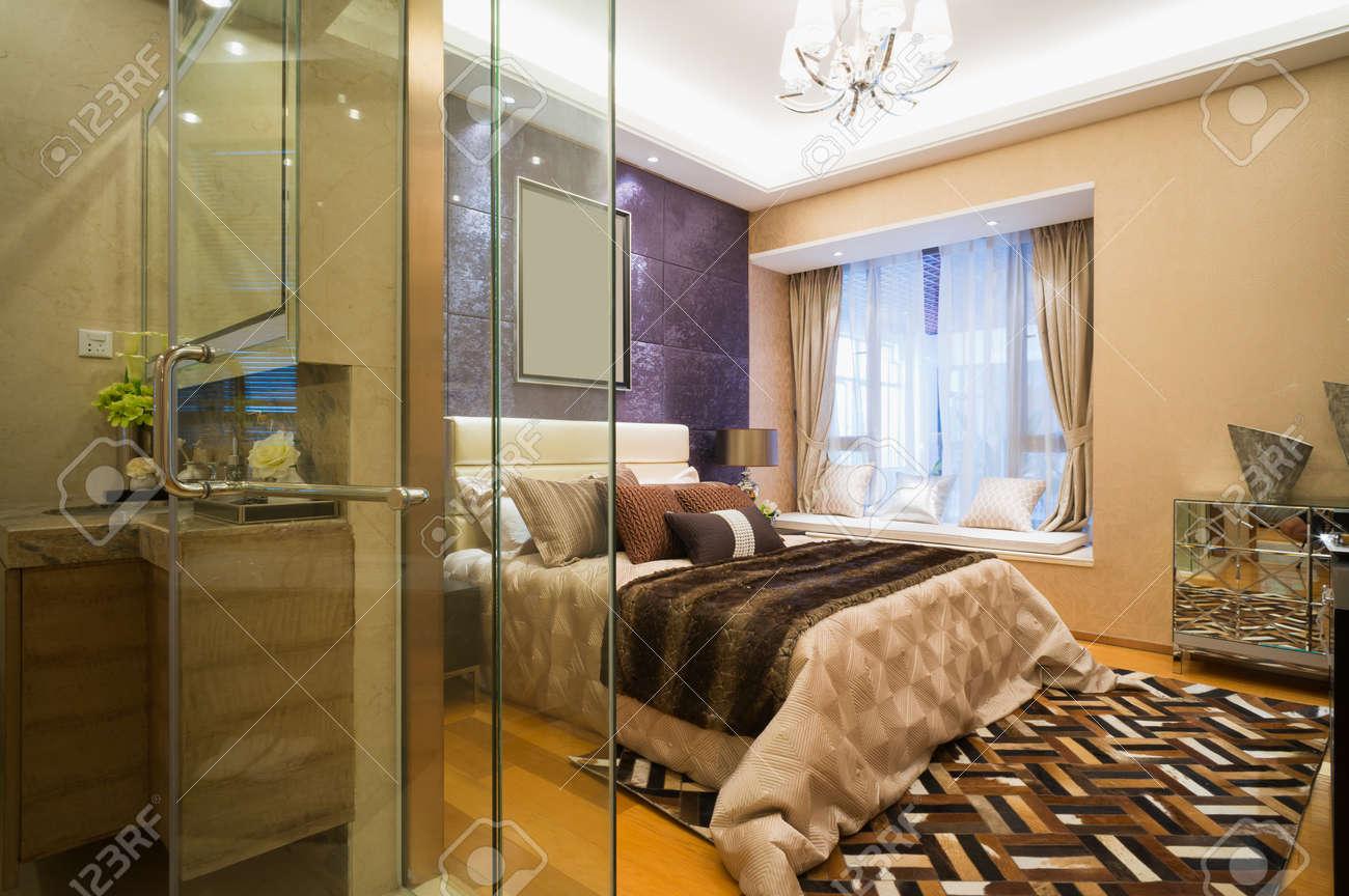 Luxus Schlafzimmer Mit Schönen Dekoration Standard Bild   30902335
