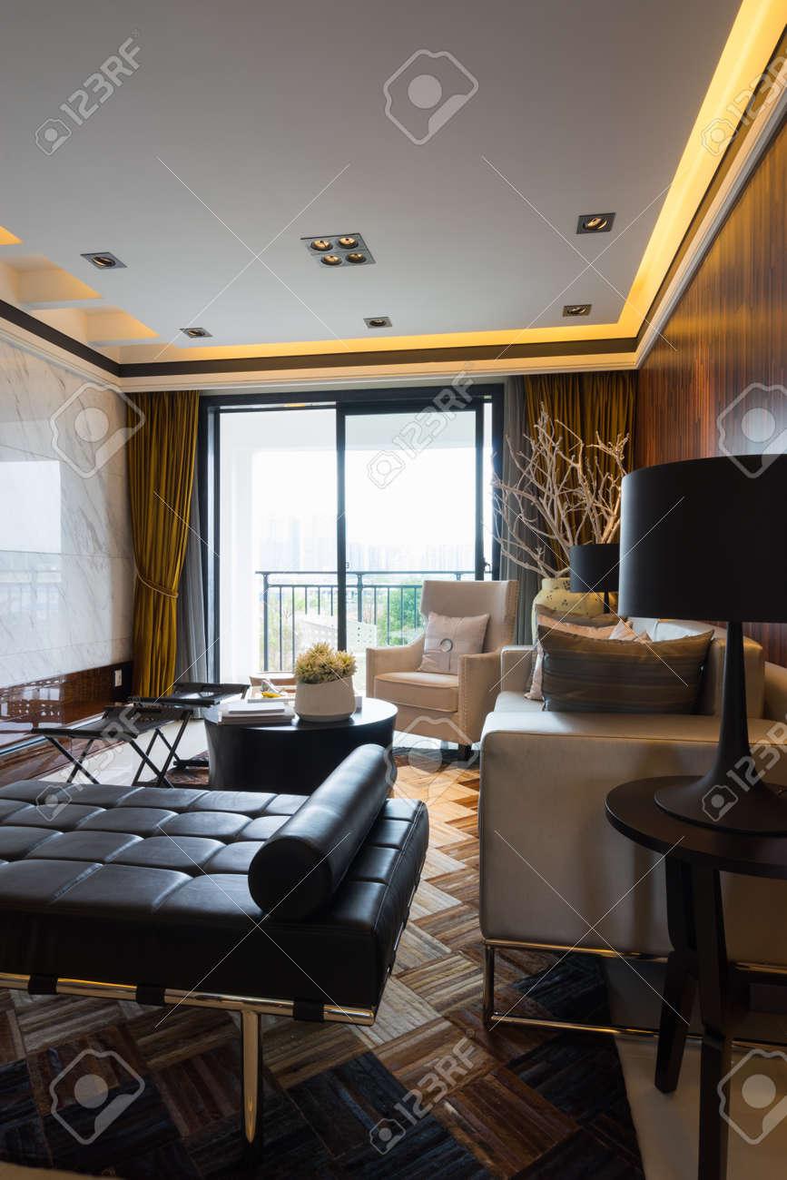 Intérieur De La Maison Moderne Avec Une Très Belle Décoration Banque ...