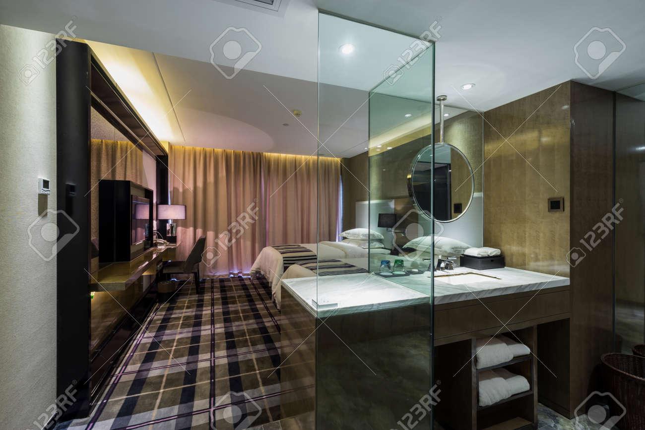 Hotel Di Lusso Interni : Camera hotel di lusso con bella decorazione d interni foto royalty