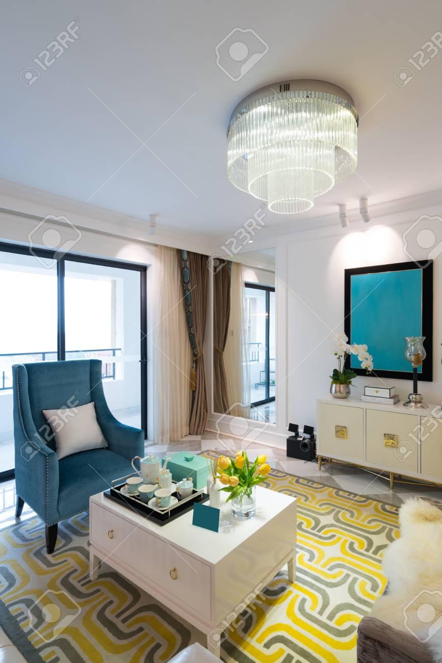 Wohnzimmer Mit Schönen Dekoration Lizenzfreie Fotos, Bilder Und ...