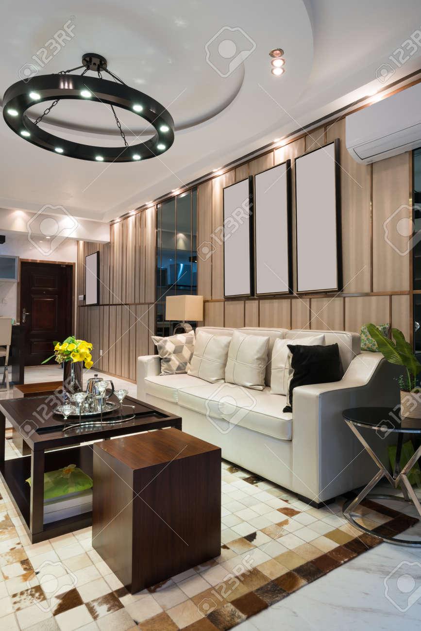 Das Wohnzimmer Mit Luxus Dekoration