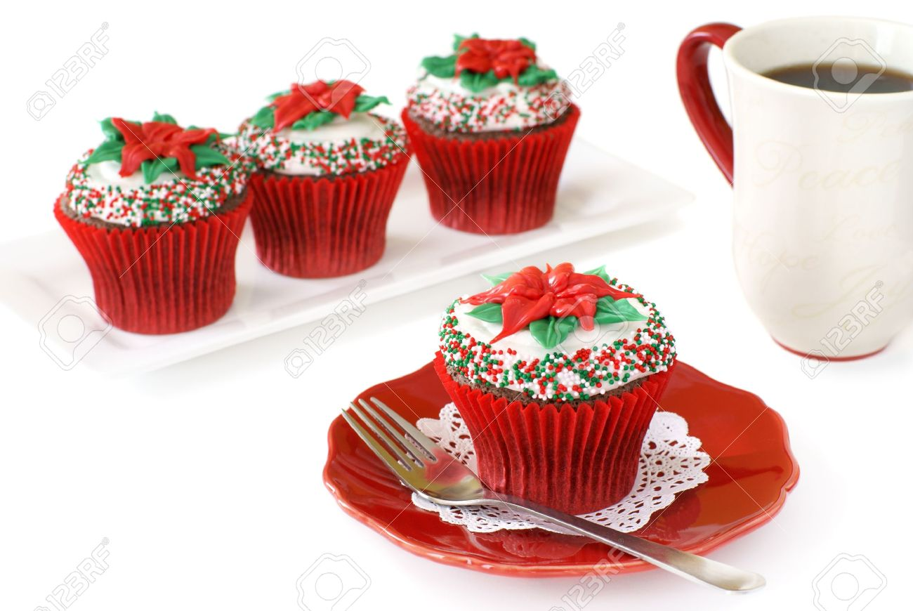 Christmas Themed Cakes Pictures.Christmas Decorated Chocolate Cupcakes